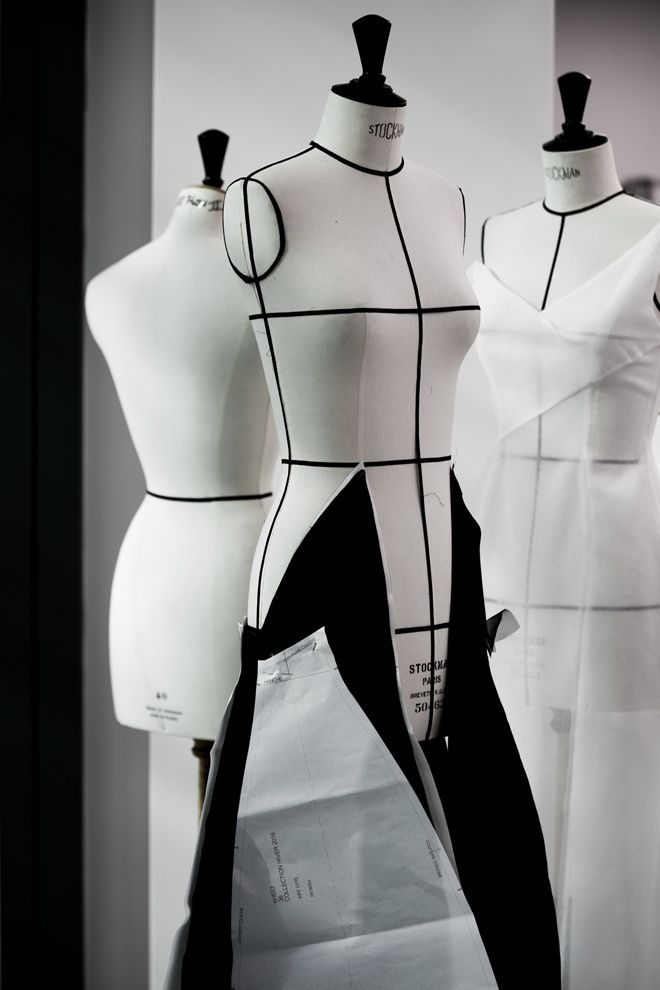 259 best dress mannequins images on pinterest mannequin art dress form and retro outfits. Black Bedroom Furniture Sets. Home Design Ideas