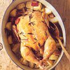 Kip uit de oven met spek, knolselderij en rozemarijn - recept - okoko recepten