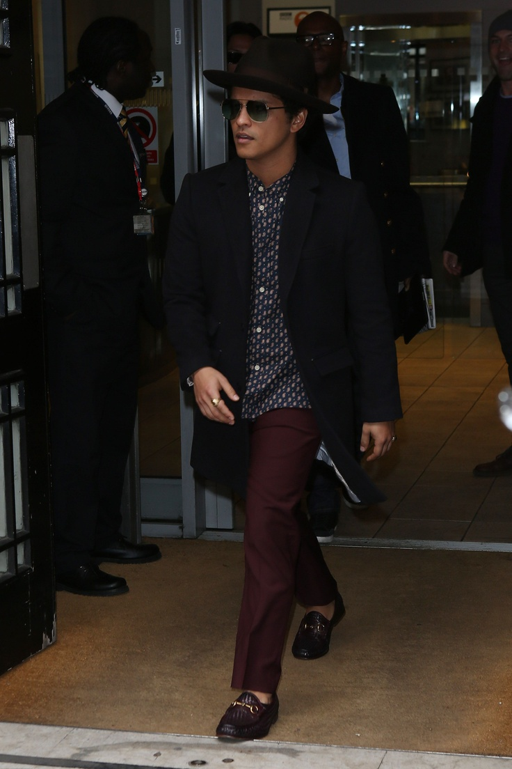 Bruno Mars Wearing The Gucci 1953 Horsebit Loafer