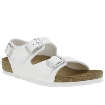 Birkenstock White Roma Unisex Junior Kids can roam around in style, in the Roma from Birkenstock. Arriving in white, the man-made summer sandal features triple adjustable buckle straps for a secure and custom fit. A cork latex midsole an http://www.MightGet.com/january-2017-13/birkenstock-white-roma-unisex-junior.asp
