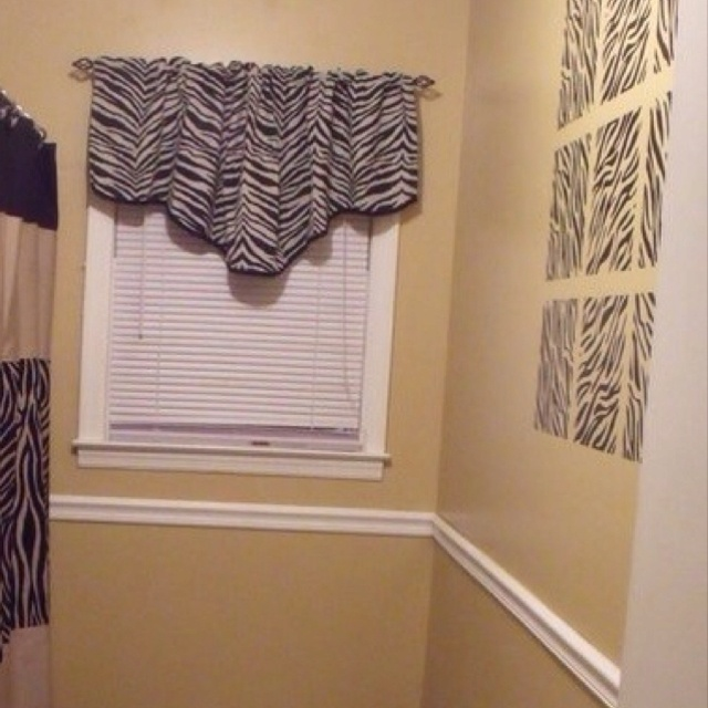 Best 25 zebra bathroom ideas on pinterest zebra for Bathroom ideas zebra print