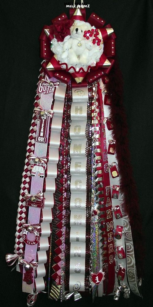 Lewisville High School Homecoming Mum...I like the liitle ribbons tied onto the bells.