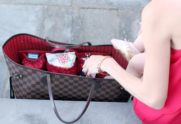 best 25 louis vuitton diaper bag ideas on pinterest louis neverfull vuitton neverfull and. Black Bedroom Furniture Sets. Home Design Ideas