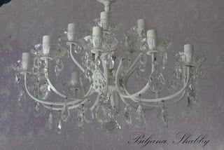 Biljana Shabby: Vintage Romantic Chandelier Redo