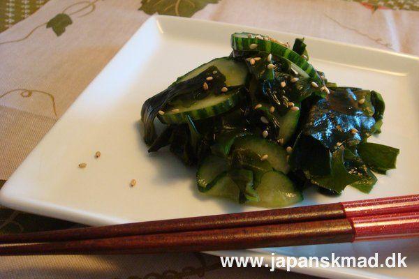 Sunomono - tangsalat med agurkeskiver