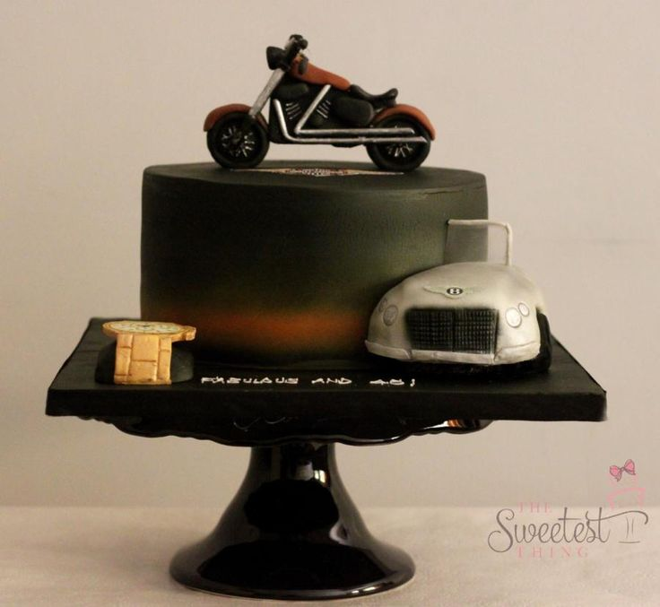 Harley Davidson Cake - cake by The Sweetest Thing