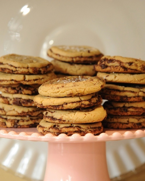 Thousand-Layer Chocolate Chip CookiesNewlyweds Cookbooks, Chocolate Chips, Cookies Cravings, Chocolates Chips Cookies, Choc Chips Cookies, Decor Cookies, Cookies Recipe, Chocolate Chip Cookie, Sarah Copeland