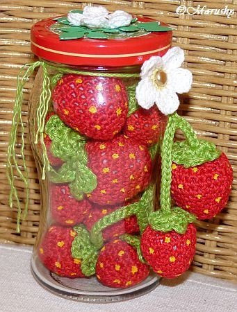 Häkel-Erdbeeren