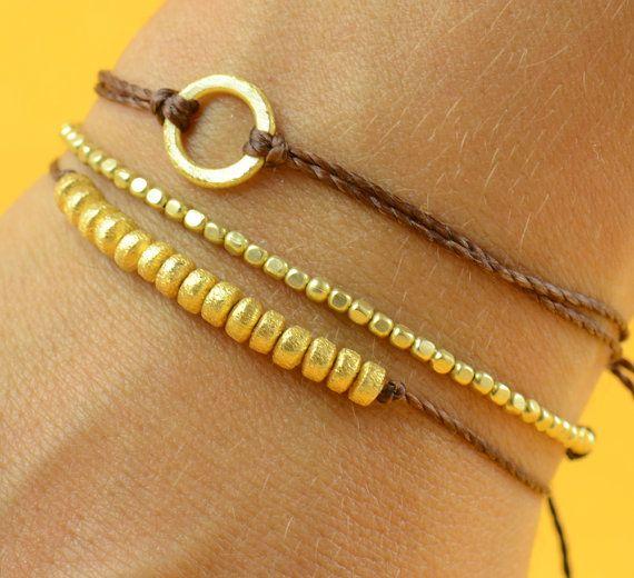 Beads. Gold bracelet por Zzaval en Etsy