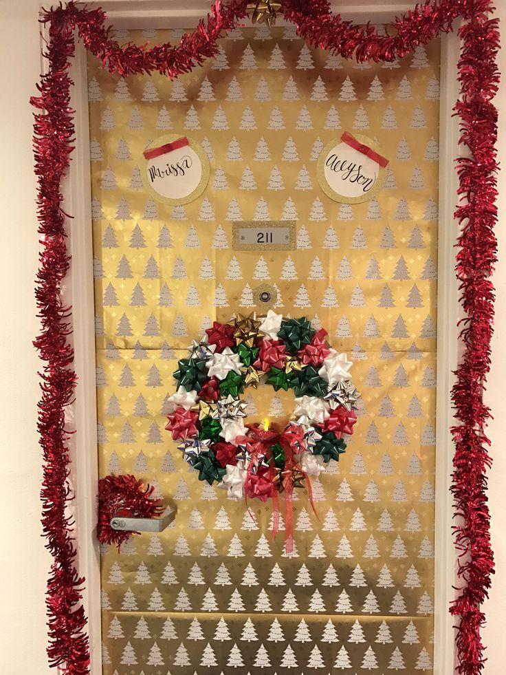 Dorm Room Door Decor// Christmas