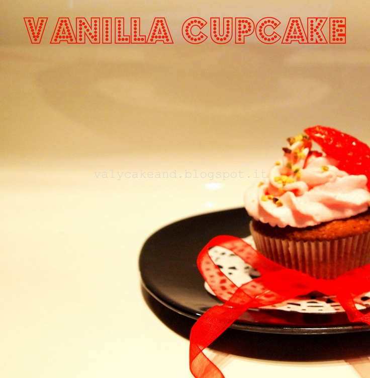 Vanilla cupcake with chantilly frosting