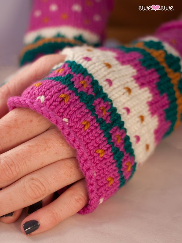 17 Best images about Fingerless Gloves on Pinterest Snowflakes, Free patter...