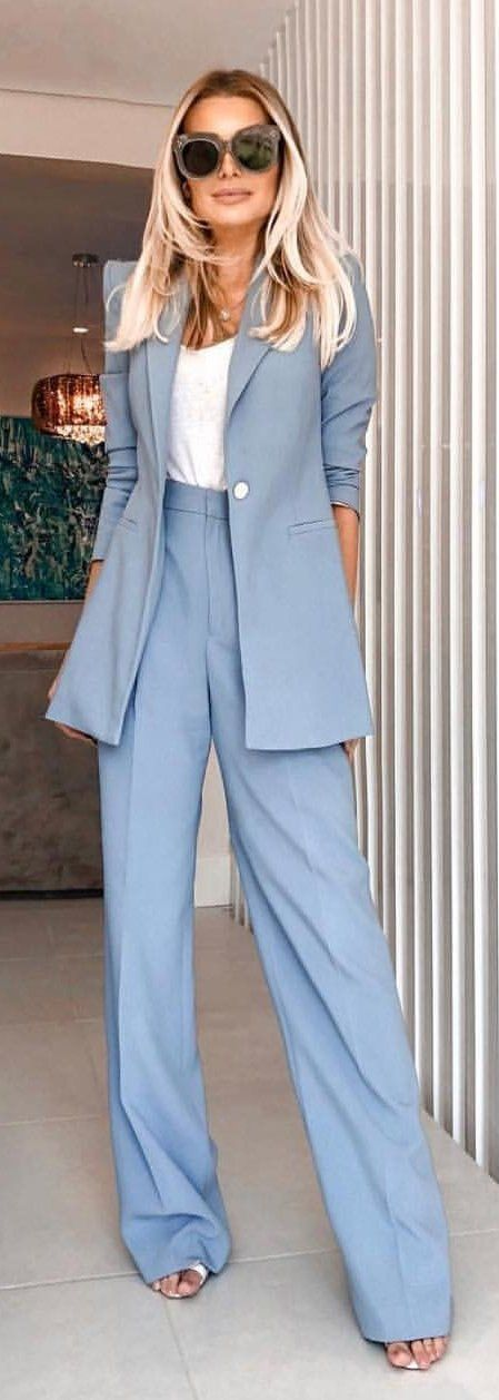 #spring #outfits woman wearing blue formal suit. Pic by @london_fashion_and_style