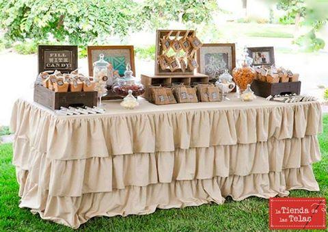 Dale un toque original a tu fiesta, con un mantel para la mesa dulce con volantes. Con nuestras #lonetas desde 2,99€/m (1,70m/ancho).  Fuente de la imagen: habitan