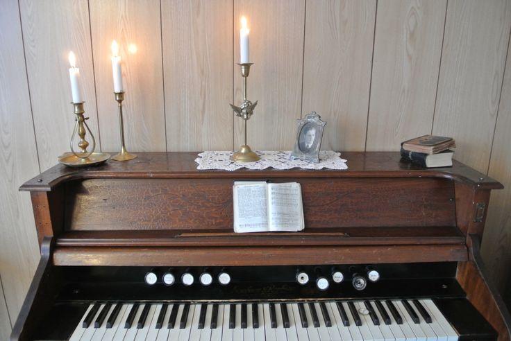 Det gamle orgelet - the old harmonium