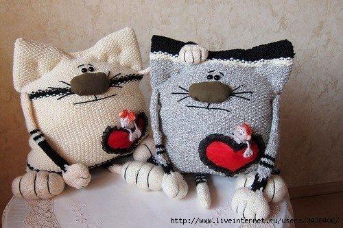 Забавные кото-подушки :). Обсуждение на LiveInternet - Российский Сервис Онлайн-Дневников