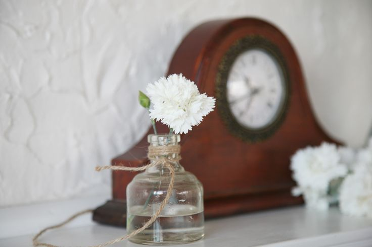 Dianthus 'Memories' hanging from door handle with rustic key • Cut flowers are long lasting for indoor vases