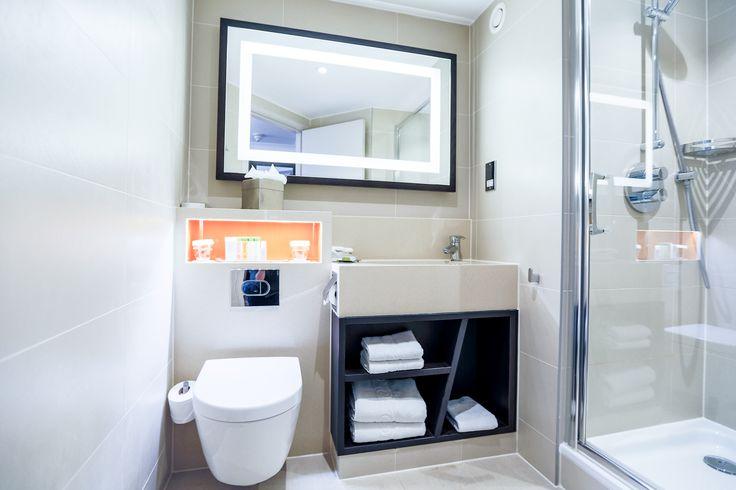 Twin Deluxe Room Bathroom