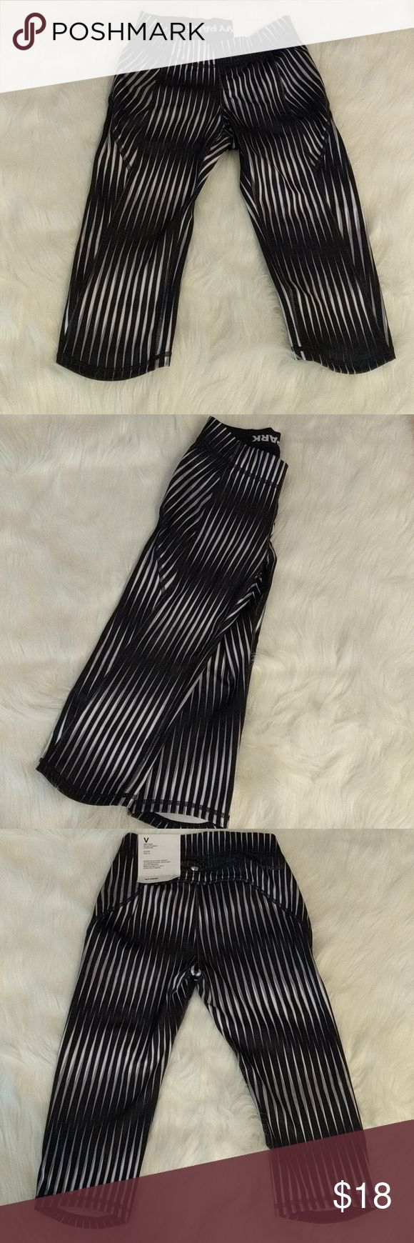 Ivy Park mid rise sculpted legging Black, Gray and White inner contour short that smooths and supports. Quick drying, breathable 4-way stretch fabric. Ivy Park Pants Capris