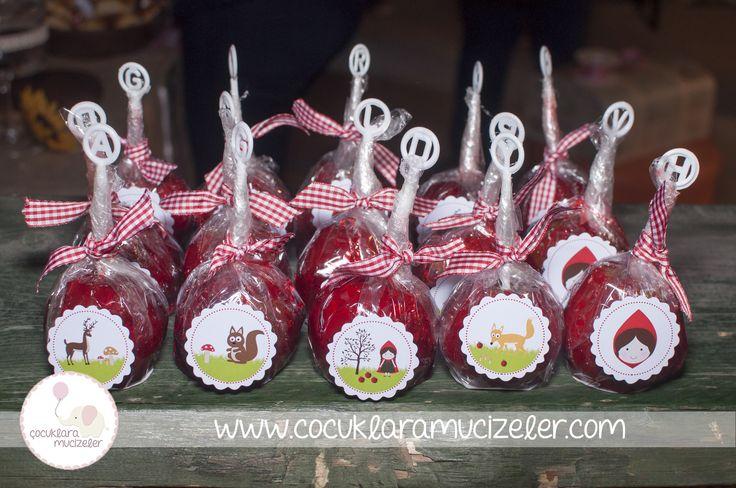 Asya'nın Kırmızı Başlıklı Kız Temalı 1 Yaş Partisi --http://www.cocuklaramucizeler.com/blog/2015/3/17/asya-ile-bir-krmz-balkl-kz-masal?rq=asya