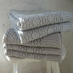 Knitting lace blanket