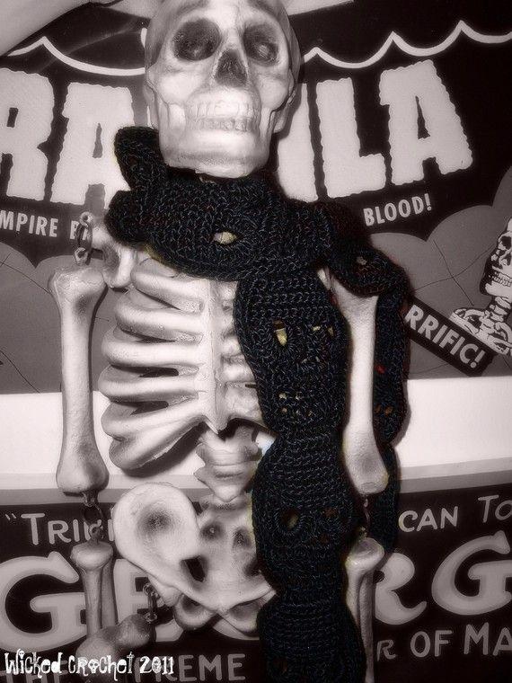Skull scarf pattern
