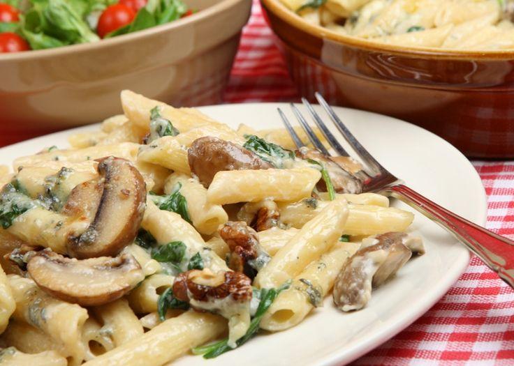Πένες με τυρί κρέμα και λαχανικά