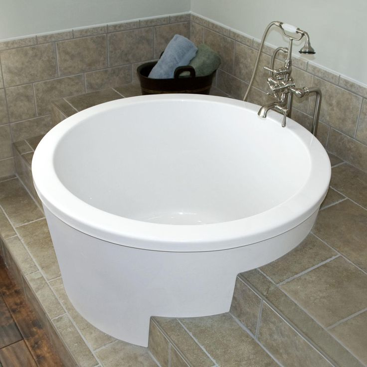 Best 25 japanese soaking tubs ideas on pinterest small for Extra long soaking tub