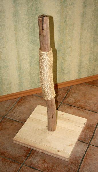 Katze: Kratzartikel - Kratzbaum Kratzstamm aus Vollholz Natur 001 / 89cm - ein Designerstück von gs-industries-shop bei DaWanda