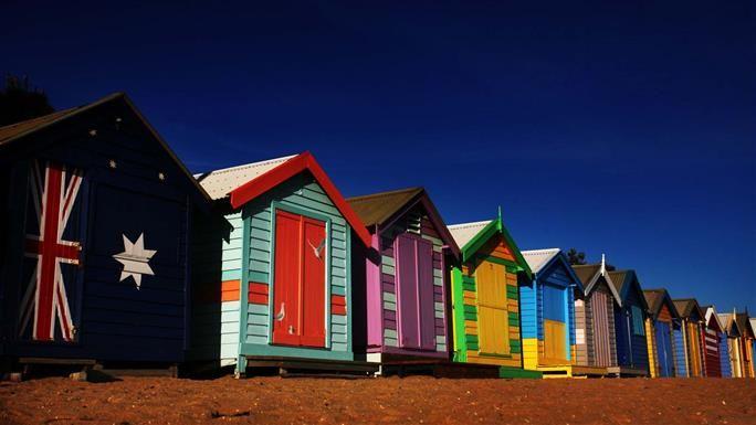 Melbourne: Bathing Boxes (Brighton Beach)