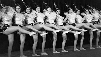 Revue theater Performance of the Scala Girls from Berlin - 1938 -