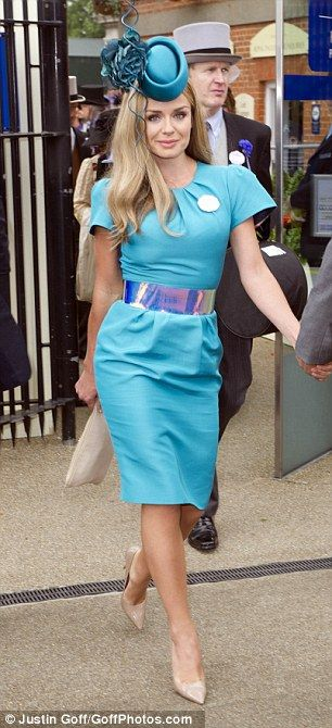 Katherine Jenkins highlights her figure at Royal Ascot Ladies' Day #dailymail