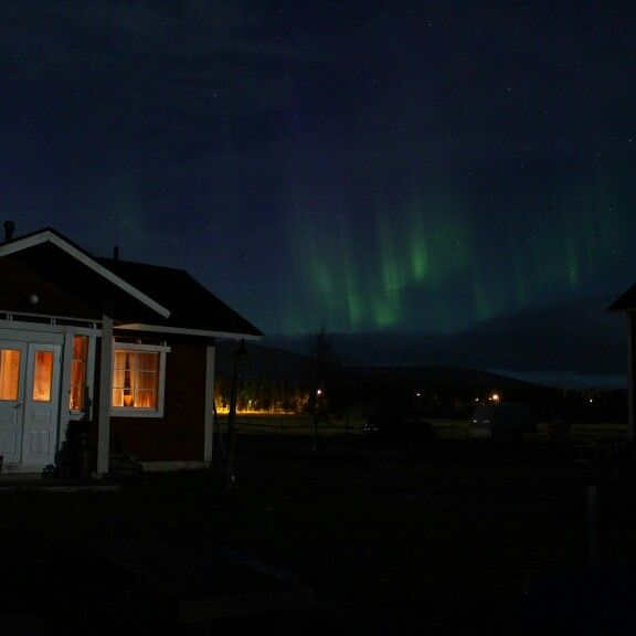 Northen Lights and Ylläsjärvi. Winter is coming. Book your holiday!