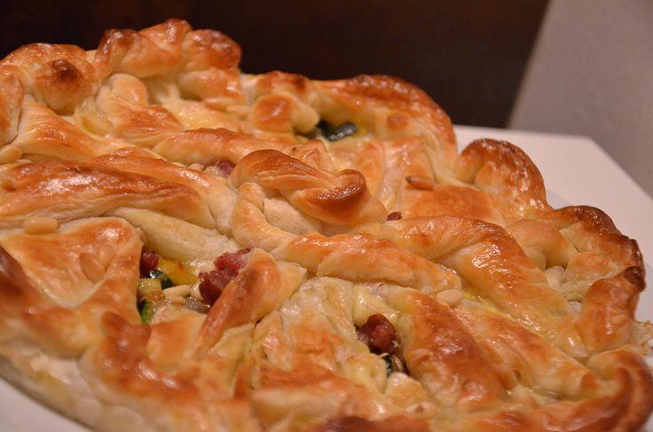 Sfoglia con Zucchine Trifolate, Pinoli, Speck e Brie