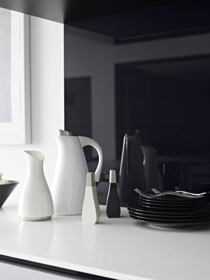 Splashback Metaline Black Ice. Styling Wendy Bannister. Photography Earl Carter.