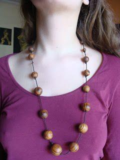 foto hand made jewels  Φωτεινή Μάμαλη: Κολιέ με φυσικό ξύλο