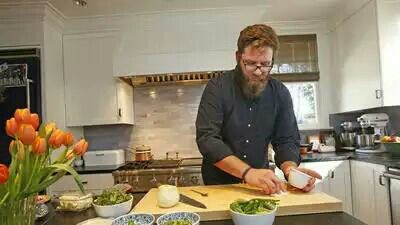 Visit the home of a professional chef - like Michael Cimarustila - and you'll find a @vikingrange. http://t.co/j7tILx3Mrz