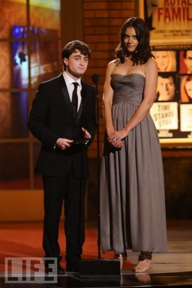 Tony Awards 2010: Highlights   Katie Holmes Towers Over Daniel Radcliffe  The Harry Potter star and Tom Cruise's actress wife present together