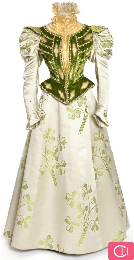 Vintage Lady Dress / love it