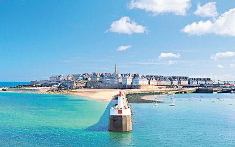 St. Malo, France. In my Top 5 spots in all of Europe! So beautiful!