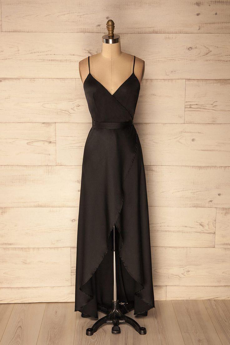 Black satin wrap maxi dress with deep v neck and thin straps - Robe maxi noire satinée avec col en V et bretelles fines