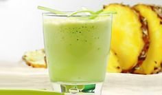 Licuado de piña, limón y Té Verde INGREDIENTES: 2 tajadas melón ½ litro de te verde 1 tajada de piña 1/2 vaso de pepino 1 puñado de semilla de linaza. PREPARACIÓN: Haz el te verde. Luego pasas por la licuadora la piña, el melón, el pepino, y la linaza. Puedes tomarlo tres veces al día, te ayudara a …