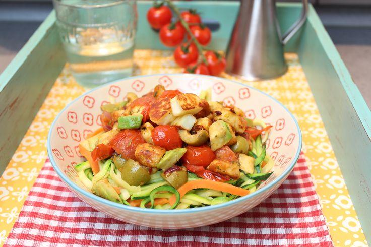 Low Carb Rezepte von Happy Carb: Mediterrane Gemüsepasta-Pfanne.
