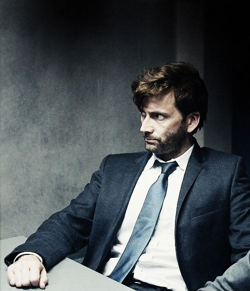 David Tennant - laissez moi je meurs <<<< French and David Tennant. Two of my favorite things.