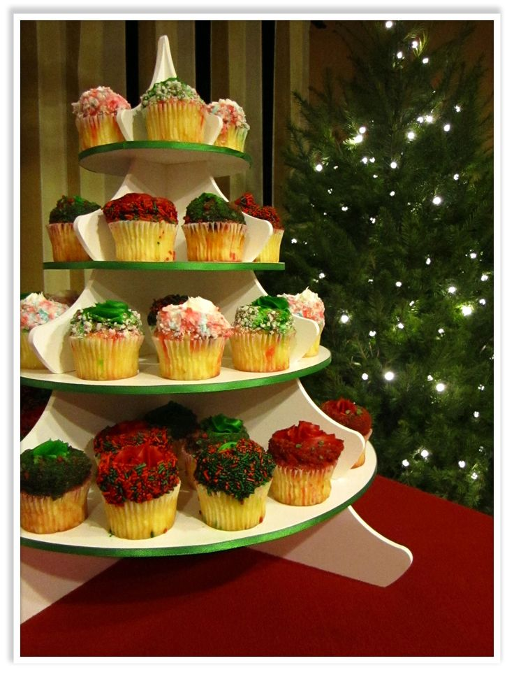 Christmas Cupcakes on our Holiday Tree Cupcake Tower: http://www.thesmartbaker.com/products/4-Tier-Holiday-Tower.html