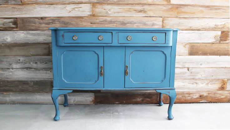 183 best images about buffets sideboards hutches on for Sideboard queens