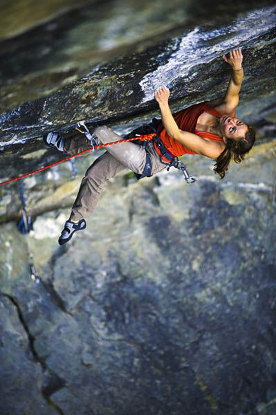 Lauren Lee on Division Bell, 5013d, Squamish Canada