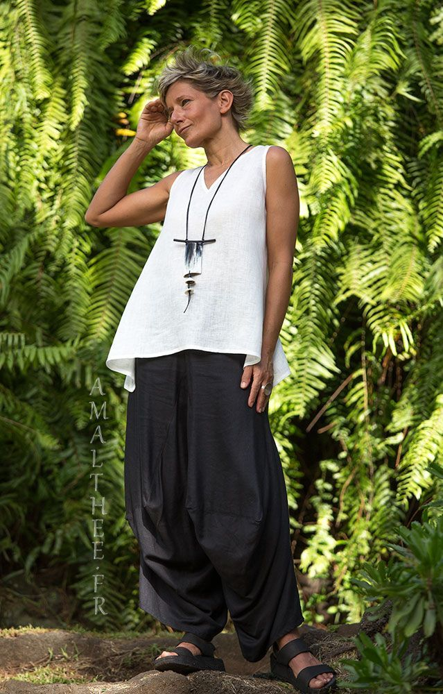 Loose fit black linen pants with drape legs -:- AMALTHEE -:- n° 3435