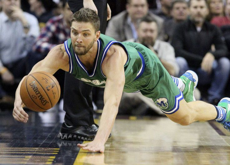 Grizzlies' Chandler Parsons returns to practice = Memphis Grizzlies' forward Chandler Parsons finally returned to the court on Wednesday, per Tim MacMahon of ESPN, who also noted that the franchise's newest free agent signee is still uncertain for the team's.....