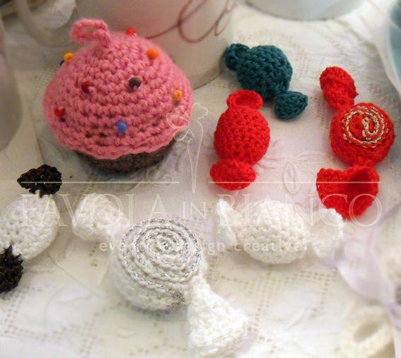 Christmas gifts - caramelle e cupcake all'uncinetto fatti a mano